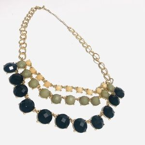 Three color rows of faceted - statement necklace